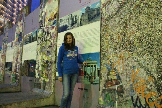 Potsdamer Platz : Мемориал Берлинской стены