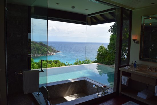 Four Seasons Resort Seychelles: Inside