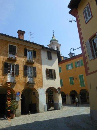 Biella, Italia: particolare piazza quartiere del piazzo