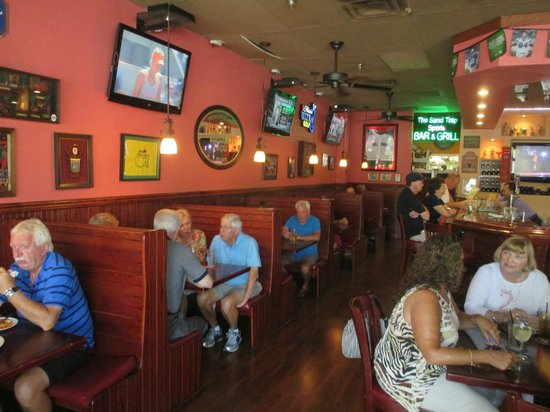 The Sand Trap Sports Bar And Grill Dining Room