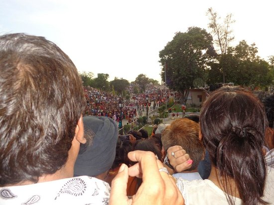 Wagah Border: The crowds