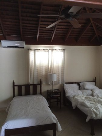 White Sands Negril: cottage bedroom