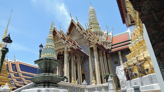 Temple of the Emerald Buddha (Wat Phra Kaew): Wat Phra Kaeo