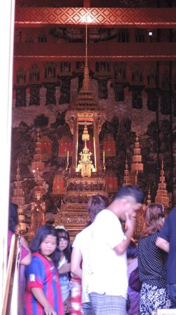 Temple of the Emerald Buddha (Wat Phra Kaew): Smaragd Buddha