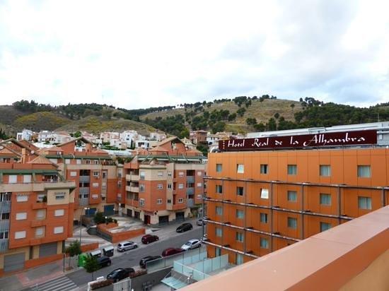 Hotel Macia Real de la Alhambra: Blick von der Dachterrasse vom Hotel Macia Real Granada