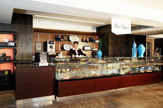 Grand Luxxe Nuevo Vallarta: Gourmet Market - Doux Bijoux