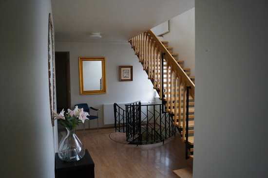 Guesthouse Hvita: Staircase