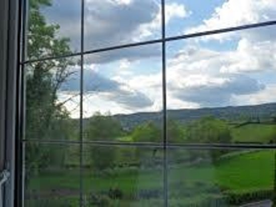 Abocurragh Farm Bed and Breakfast : great outlook from room 2