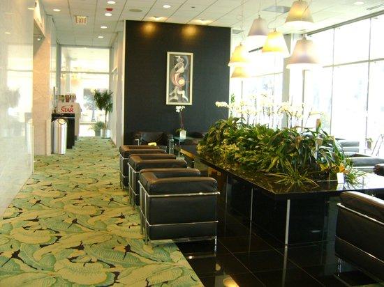 Chicago's Essex Inn: Lobby del Hotel