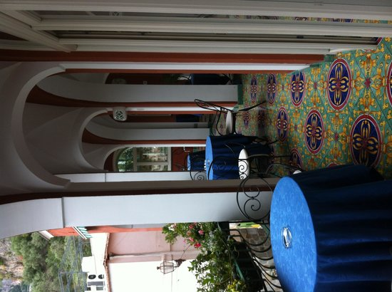 Hotel Savoia: beautiful balcony for breakfast