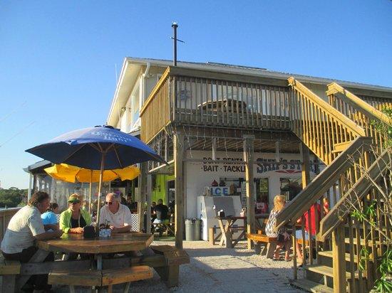 Zeke's Bayside Restaurant : Exterior View