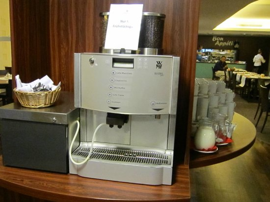 AZIMUT Hotel Cologne : verschiedene Kaffeesorten