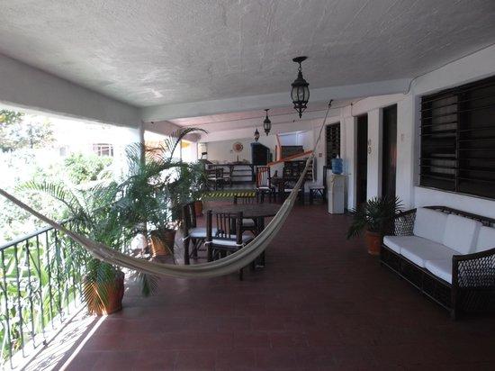Casa Sun & Moon: Espace hamac sur la terrasse.