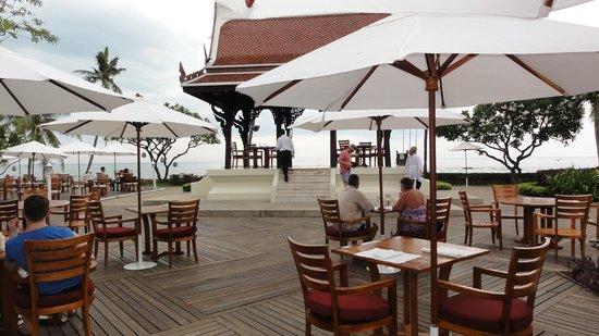 Centara Grand Beach Resort & Villas Hua Hin: Richtung Meer
