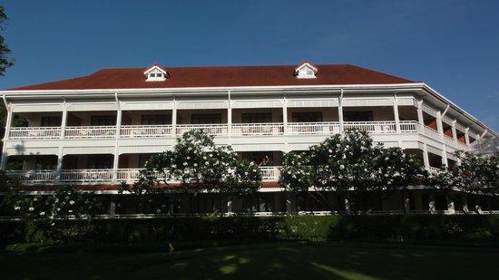 Centara Grand Beach Resort & Villas Hua Hin: zum Zimmer hin