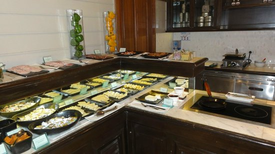 Centara Grand Beach Resort & Villas Hua Hin: Breakfast buffet