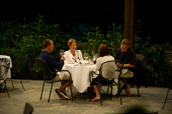 The Club at Hillbrook: Outdoor Dining