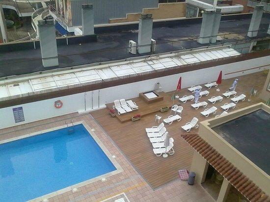 ALEGRIA Maripins: new decking -sunbeds changed after photo taken