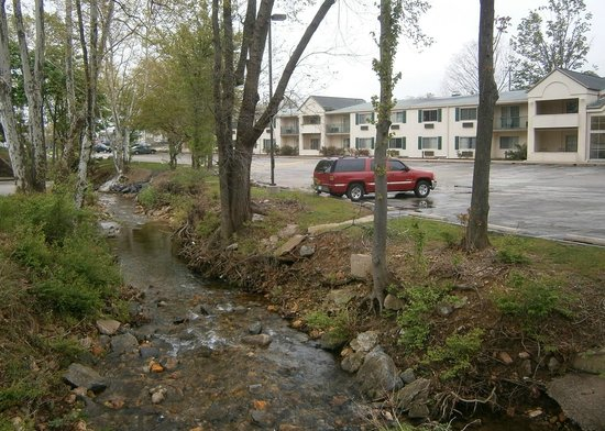 Best Western Plus The Inn at King of Prussia: Another Exterior View - Small Stream Next to Hotel