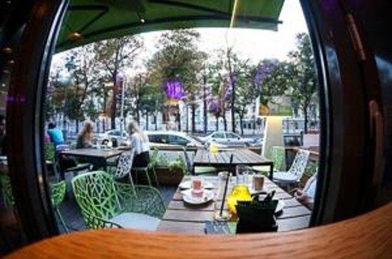 Yamm!: Sitz im Freien