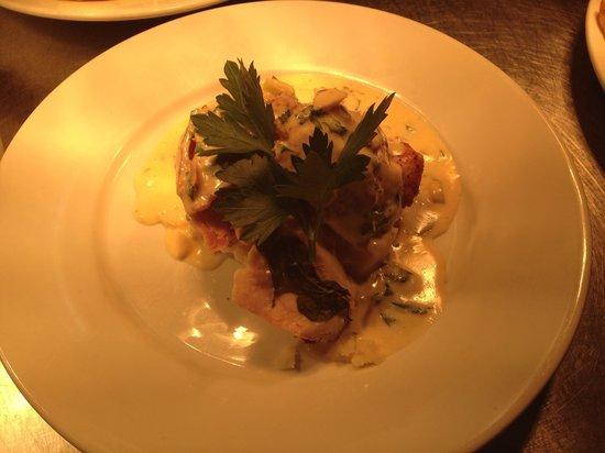 Royal Oak Inn: Stuffed chicken with mozzerella