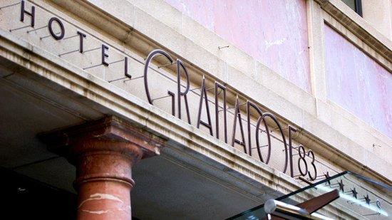 Hotel Granados 83: facade
