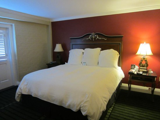 Bourbon Orleans Hotel : King bed