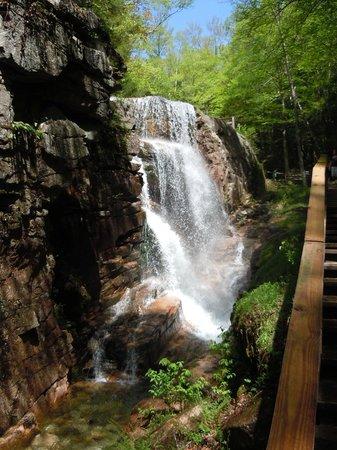 Flume Gorge: Chute d'eau au sommet de la gorge