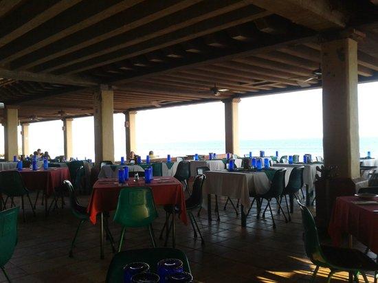 Hotel Playa Mazatlan: COMO VEN ES UN RESTAURANT SENCILLO NADA DE LUJOS