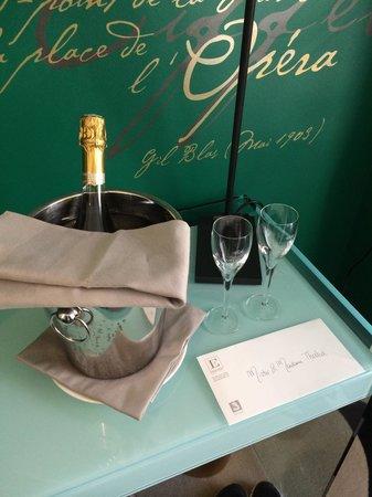 Hotel Edouard 7: Roomservice