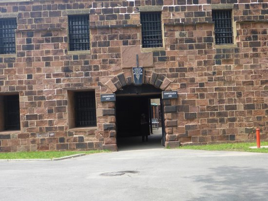 Governors Island National Monument : Castle William