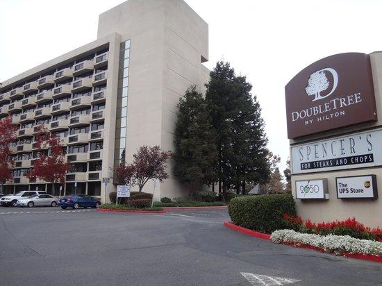 DoubleTree by Hilton San Jose: ホテルの外観