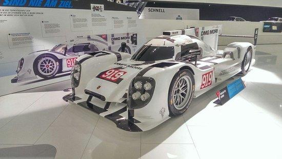 Porsche Museum : Genial