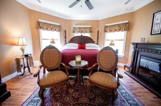 Amber House Bed and Breakfast: Topaz Room