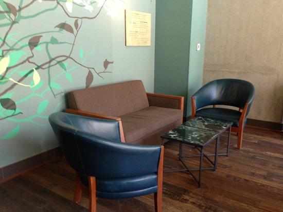 fauteuils confortables et d co moderne foto di starbucks. Black Bedroom Furniture Sets. Home Design Ideas