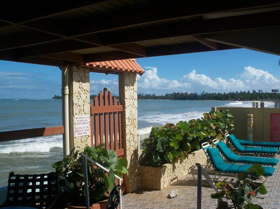 Hotel Yunque Mar: In the summer, through the gate to the golden sands that await