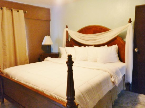 Hotel Yunque Mar: Suite decorated for honeymoon