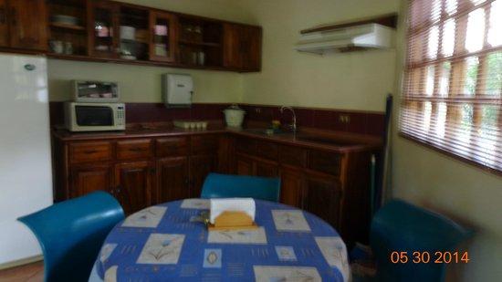 Villa Acacia : Cocina-comedor