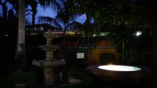 Villa Acacia: Afueras de la villas
