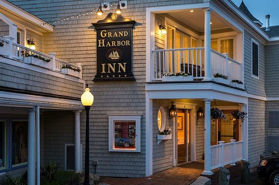 Welcome to Grand Harbor Inn