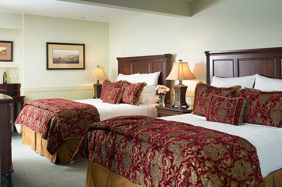 Grand Harbor Inn : Grand Suite with two Queen Beds