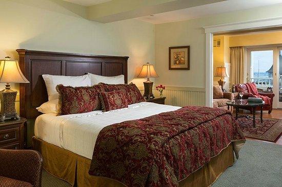 Grand Harbor Inn : Grand Suite Accommodations