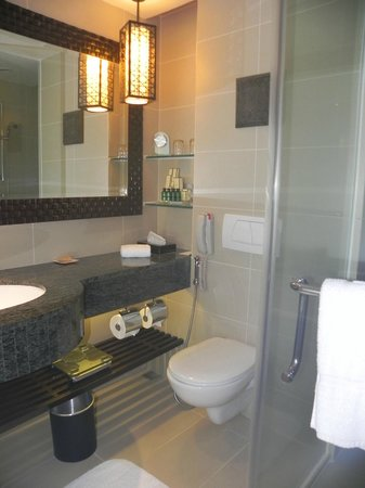 Shangri-La's Tanjung Aru Resort & Spa : Bathroom
