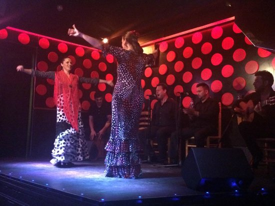 Explore Catalunya: flamenco performers