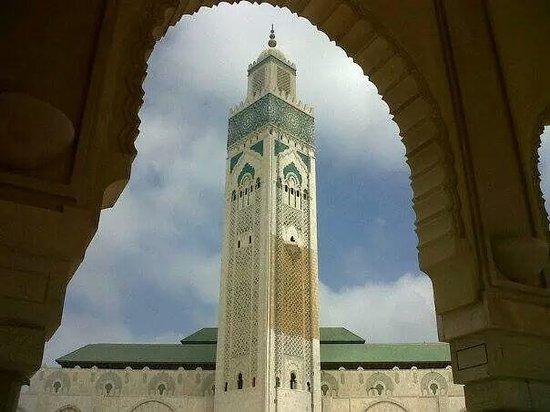 Mosquée Hassan II : Tallest minaret
