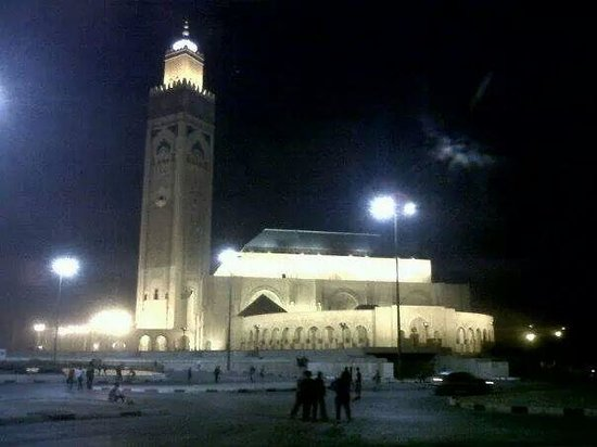 Mosquée Hassan II : Hassan ll Mosque by night