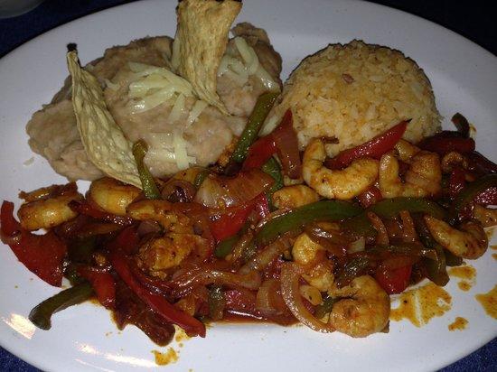 Carlos & Lucia's: Shrimp fajitas