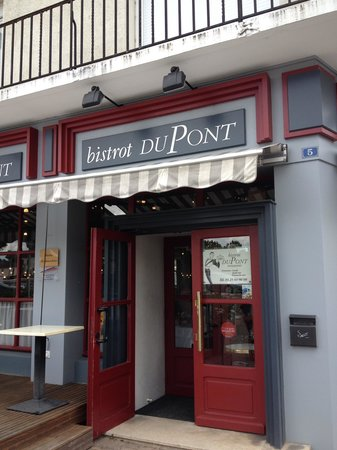 restaurant bistrot dupont dans pont sainte marie avec cuisine fran aise. Black Bedroom Furniture Sets. Home Design Ideas
