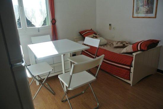 Hotel les Mimosas : Appartement T1 4 personnes