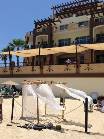 Villa del Arco Beach Resort & Spa Cabo San Lucas : Resort preparing for a beach wedding
